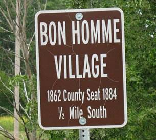 Bon Homme Village Sign